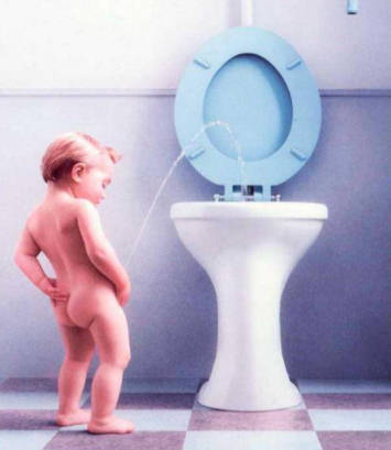 baby-pisses-for-distance-washroom-humor-photos